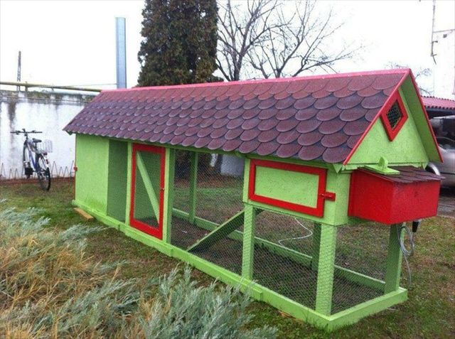 Pallet chicken coop plans pallet luv pinterest Chicken coop from pallet wood