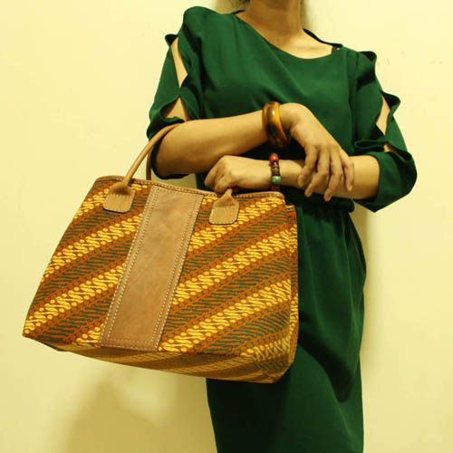 Arimbi Orang Parang Top Handle Bag #djokdjabatik #batik #christmas #gift