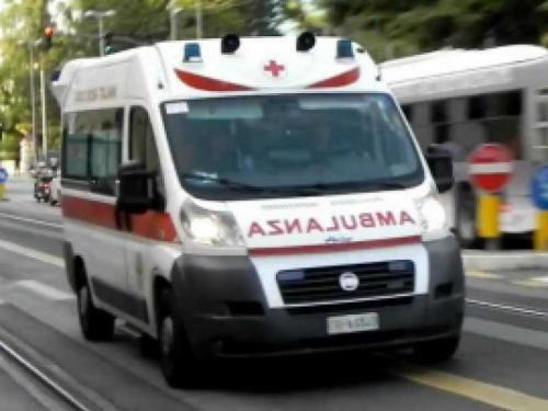 Abruzzo: #AMBULANZA FUORI #STRADA A PESCARA PER EVITARE AUTO (link: http://ift.tt/2iE3xTh )