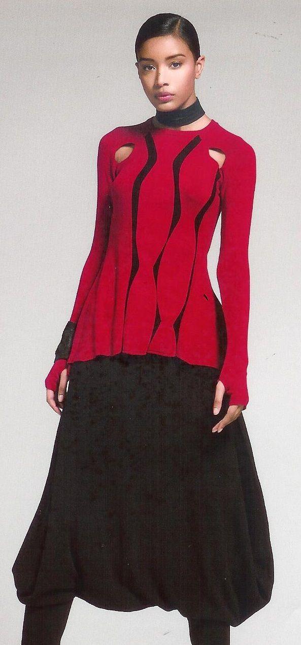 Stilig, feminin og rød topp fra Oblique