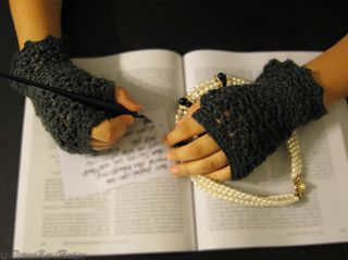 Ravelry: Princess Writing Gloves pattern by DeviousRose