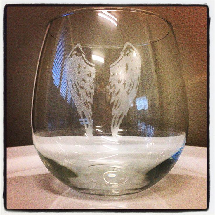 Stunning Angel Wing Stemless Wine Glasses. #wine #wineglasses #glasses #perfectgift