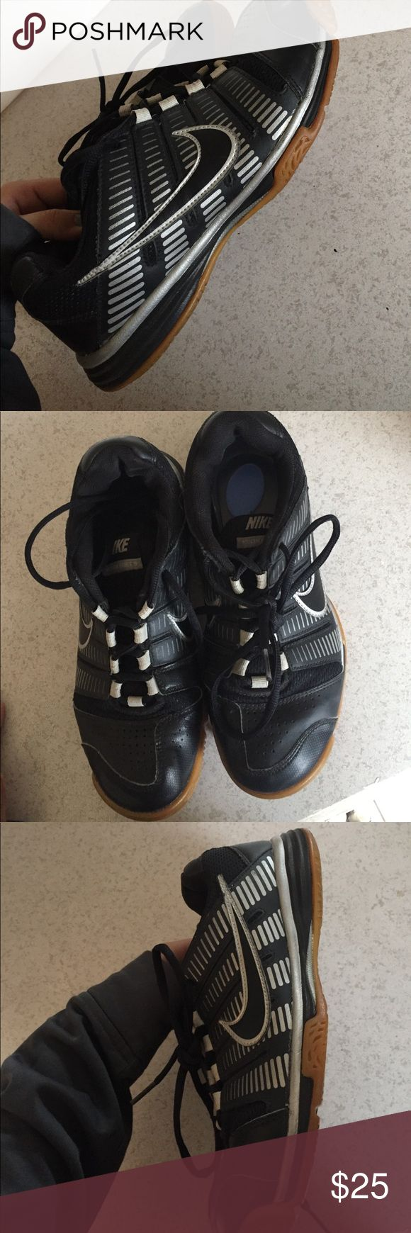 women's size 9 multi court shoes women's size 9 Nike Multicourts. were used for a season of indoor volleyball, but can be used to play any court sport! very good condition Nike Shoes Athletic Shoes