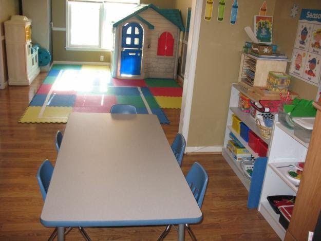 4 Basic Phase To Open In Home Daycare Homedaycarebusiness Home Daycare Daycare Decor Daycare Rooms