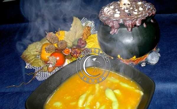 Dopo averle provate collaudate e gustate, ecco la ricetta ....  questa sera si replica ;) Larve in brodo primordiale  http://www.lapulceeiltopo.it/forum/ricette-primi-piatti/1855-larve-in-brodo-primordiale-gnocchi-al-pistacchio-in-vellutata-di-zucca#2560