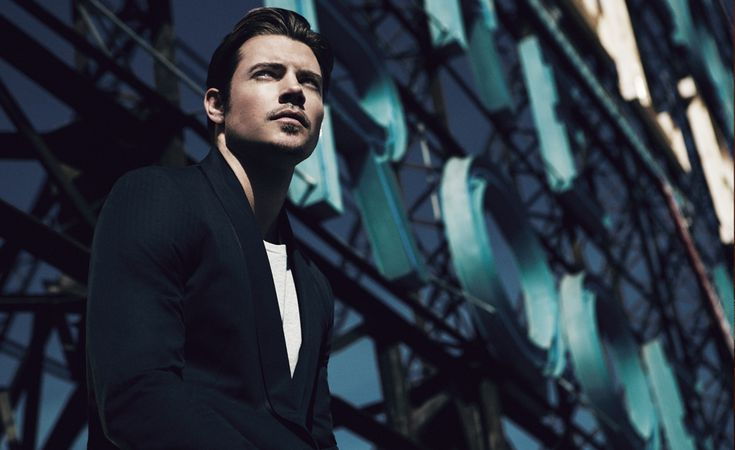 Josh Henderson Spends a Moment with Mr. Porter