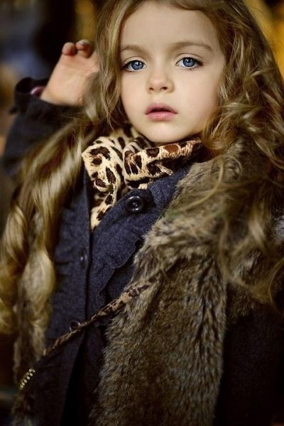 Russia hottest models of small, delicate face like Elf