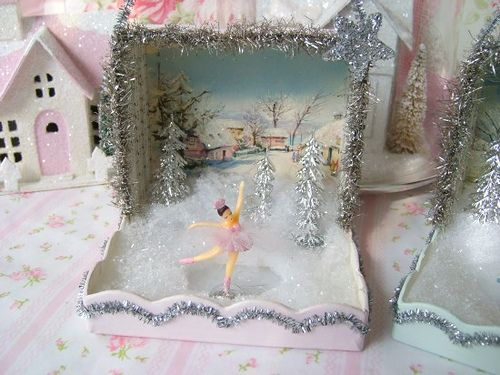 ~adorable~ I miss making diaramas in 5th grade... That's what this makes me think of.: Christmas Crafts, Shadowbox, Christmas House, Christmas Diorama Ideas, 5Th Grade, Christmas Decor, Christmas Diarama