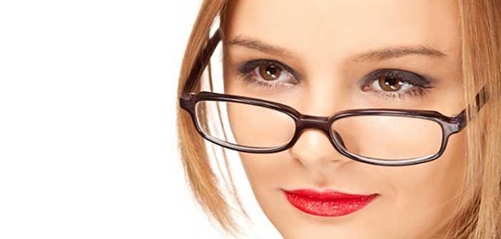 Οι γυναίκες δεν διστάζουν να αγοράζουν περισσότερα από μία τσάντα ή ακόμα ένα ζευγάρι παπούτσια, οπότε γιατί να διστάζουν να αγοράσουν περισσότερα από ένα ζευγάρι γυαλιά;