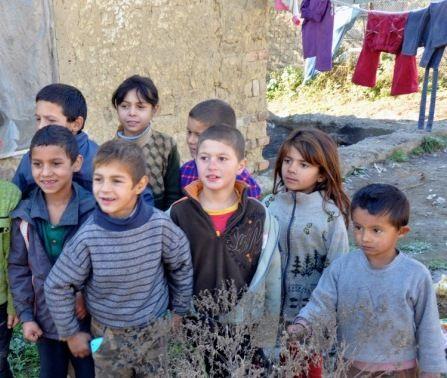 kinderen uit een Roma kamp