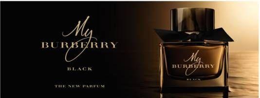Tajemná …. Svůdná … Smyslná …   To je další vůně z kolekce MY BURBERRY – My Burberry Black.   Vůně My Burberry Black v sobě snoubí nóny květů jasmínu, nektaru broskví a smyslný nádech kandované růže. Skleněný flakon okouzlující a tajemné, sytě jantarové barvy, doplněný ručně vázanou černou garbadénovou mašlí. Inspirován klasickým ikonickým trenčkotem v černé barvě. Stejně jako předešlé vůně My Burberry je inspirovaná londýnskou zahradou.