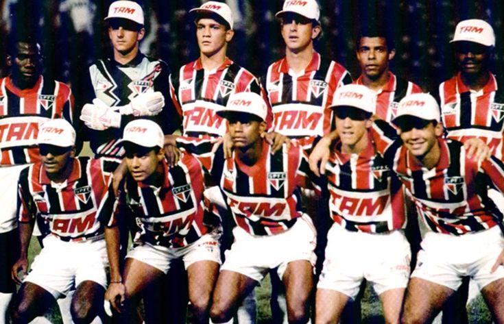 Olha o Expressinho....  Há 20 anos, Rogério e Muricy conquistavam o primeiro título juntos Em 1994, Expressinho fez grande campanha, encantou a torcida e venceu a Copa Conmebol http://saopaulofc.net/noticias/noticias/futebol/2014/12/21/ha-20-anos,-rogerio-e-muricy-conquistavam-o-primeiro-titulo-juntos/?utm_source=twitterfeed&utm_medium=twitter (via Stie Oficial saopaulofc.net)