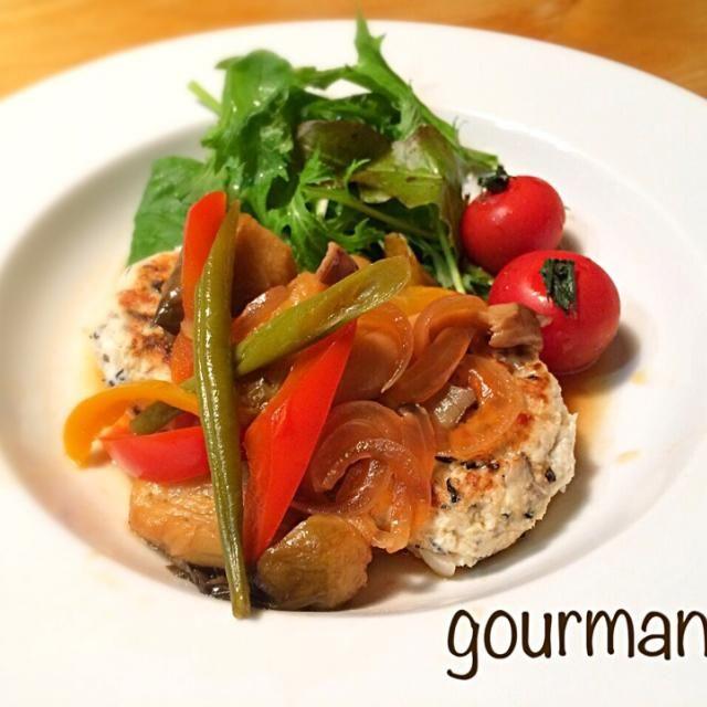 ヘルシーハンバーグ♡ 素揚げ野菜が ソースのコクを増して、美味しくなりまぁす♪ - 94件のもぐもぐ - お豆腐ハンバーグ たっぷり野菜ソースで♪ by gourmand