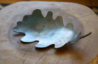 Oak tree Leaf 2015, steel, 20 cm x 12 cm  www.kimkenyon.nl