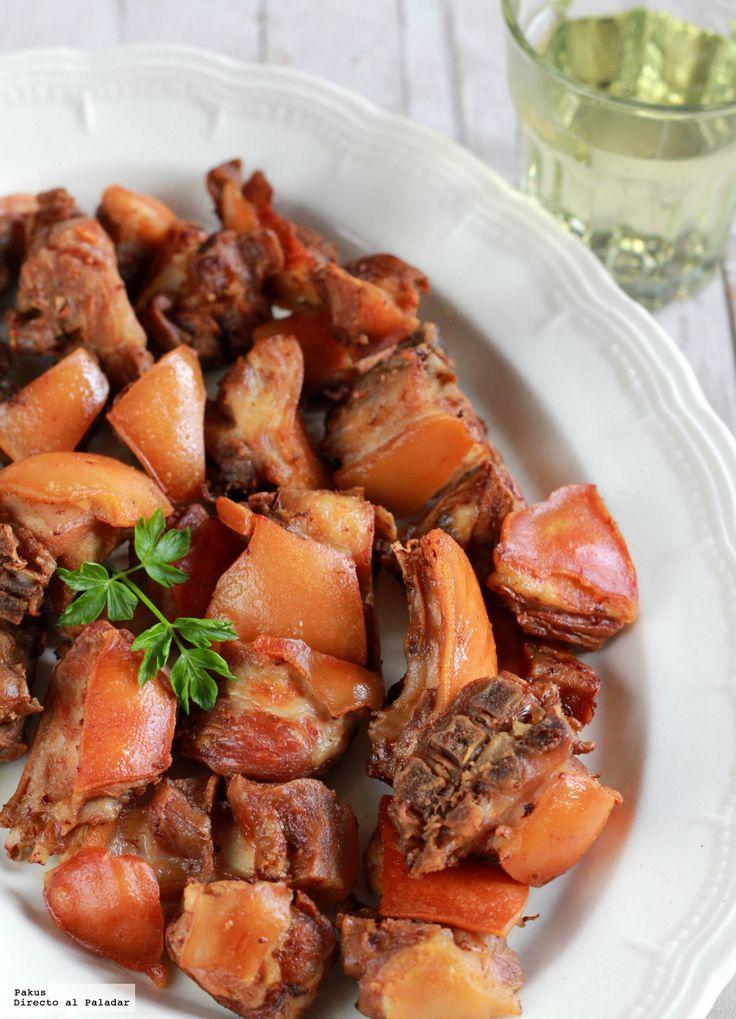 Siempre me ha gustado el sabor delicado del cochinillo, ya sea cocinado en el horno con la capa exterior crujiente o incluso preparado a la parrill...