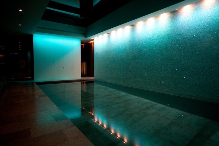 Moving Floor Luxury Swimming Pool in Surrey - Guncast Swimming Pools Ltd