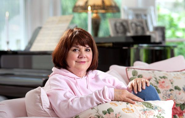 Linda Ronstadt Discusses Her Memoir and Parkinson's - NYTimes.com