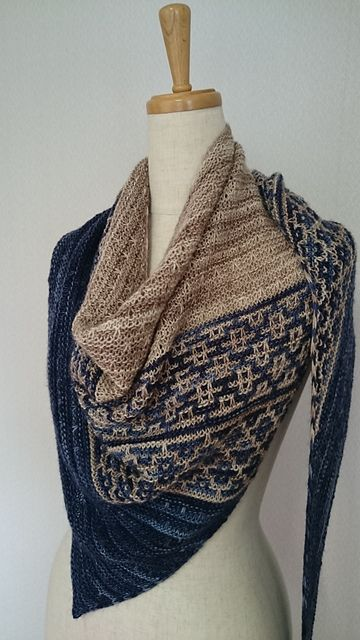 Emiliana by Lisa Hannes ¬ malabrigo Mechita in Paris Night and Sand Bank
