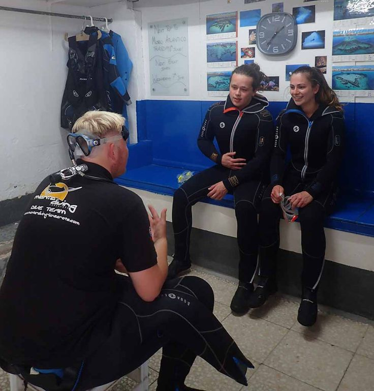Briefing for the PADI Discover Scuba Diving with Manta Diving Lanzarote in the Canary Islands