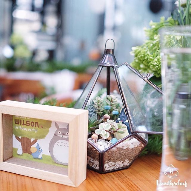 Totoro and Terrarium are always a perfect match  #handkerchiefid . . . . #totoro#totoroparty#totorobirthdayparty#ghibli#tablesettingbandung#tablesetting#tablesettingjakarta#dekorasiulangtahun#tabledecorjkt#tabledecorbandung#explorebandung#bandungfoodies#eventstylist#eventstylistbandung#eventstylistjakarta#terrarium#infobdg#explorejakarta#birthdayparty#birthdaydecoration#cafebandung#caferestobdg#partyideas#plants#flowers#succulent#cactus#cafebandung#tablesetbandung#bandungjuara
