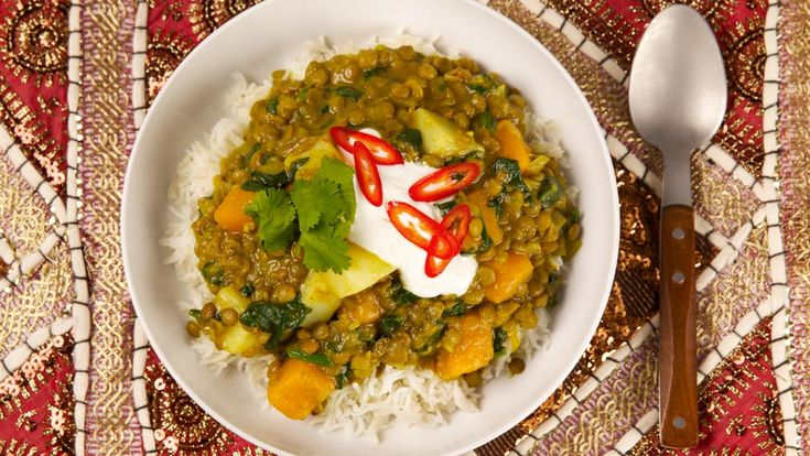 Lentil Curry with Squash and Spinach - Recipes - Best Recipes Ever - There's lots of satisfying flavour in this inexpensive high-fibre vegetarian dish.