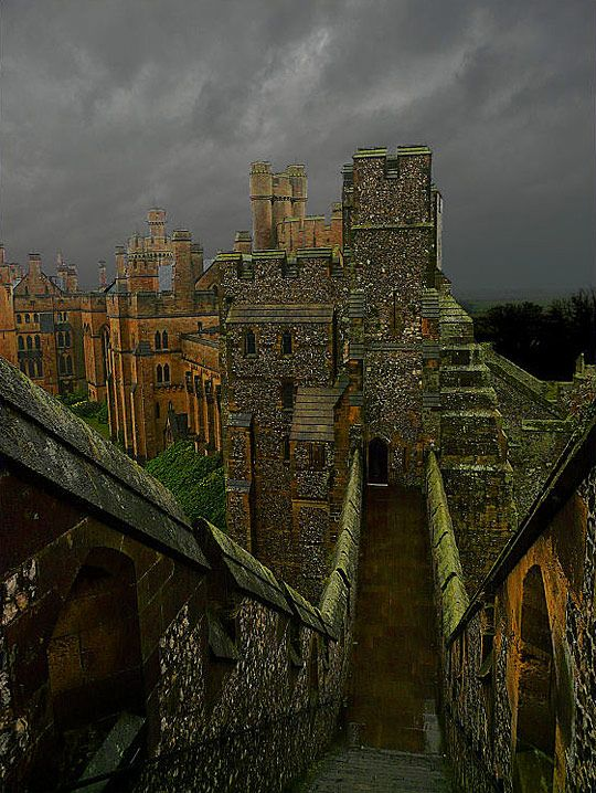 Arundel Castle- There are nearly 1,000 years of history at this great castle, overlooking the River Arun in West Sussex and built at the end of the 11th century by Roger de Montgomery, Earl of Arundel.