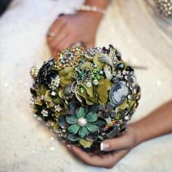 Brooch Bouquets (a favourite repin of VIP Fashion Australia www.vipfashionaustralia.com - Specialising in unique fashion, exclusive fashion, online shopping sites for clothes, online shopping of clothes, international clothing store, international clothes shop, cute dresses for cheap, trendy clothing stores, luxury purses )