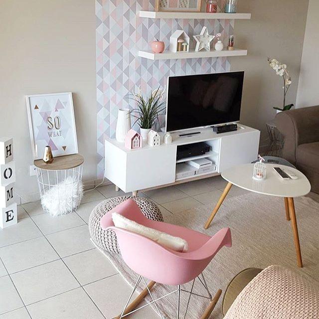 Le Fauteuil Rar Swing Pink Chez Home Deco Addict Merci Pour Cette Jolie Photo On Adore Cette Touche De Pink Fauteuil Disponi Deco Addict Deco Deco Chambre