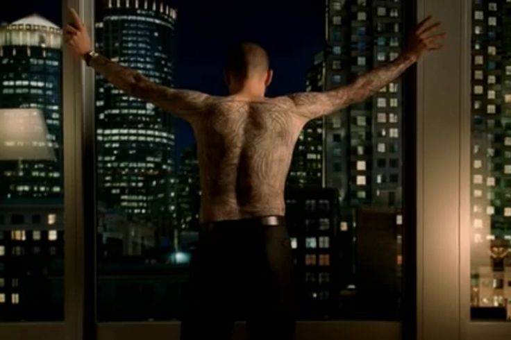 Wentworth Miller as Michael Scofield in Prison Break - his full torso & sleeves tattoo took over 4 hours in make-up.  This is my favorite shot of him in it.
