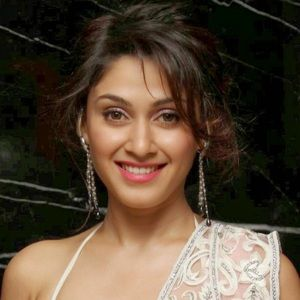 Manjari Fadnis (Indian, Film Actress) was born on 10-07-1984.  Get more info like birth place, age, birth sign, biography, family, relation & latest news etc.