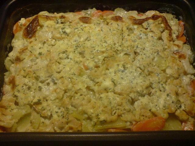 Aura-broilervuoka perunalla ja porkkanalla. Reseptin on tehnyt Kotikokki.netin nimimerkki Fitney