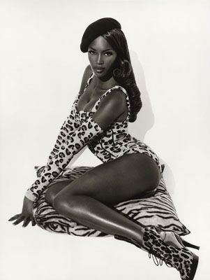 Naomi Campbell in Azzedine Alaia, Ph. Herb Ritts, 1991.