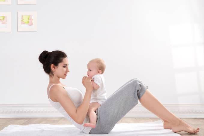 Treino para recuperar a força do abdômen após a gravidez