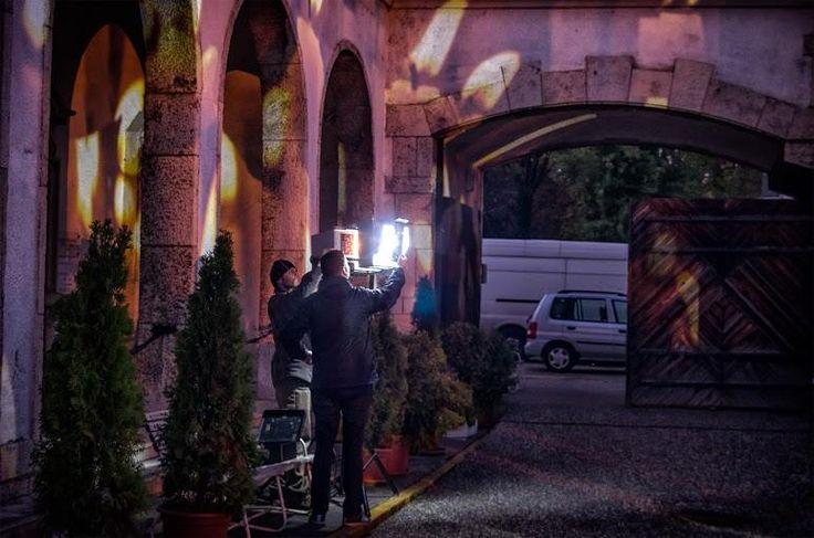 Munkában - Night Projection fényfestés  Halottak napja 2015 - Újköztemető - Night Projection fényfestés  Fotó: Lanszki Photo  #NightProjection #fényfestés #raypainting #visuals