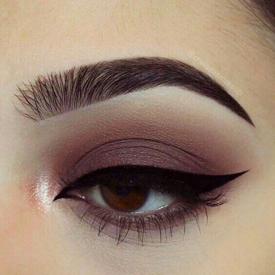 Mostly a matte Smokey eye with a pop of pastel pink highlight.