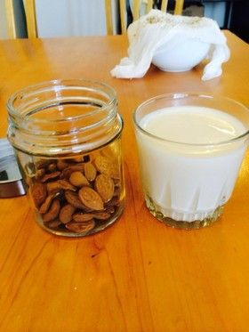 正しいアーモンドミルクの作り方
