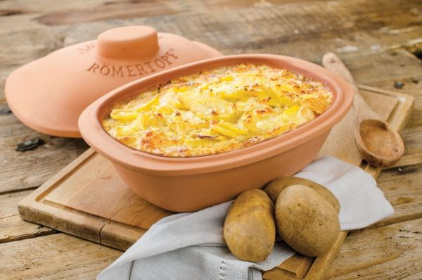 Kartoffel-Gratin aus dem #Römertopf. Ein Klassiker. Rezept auf TrendXPRESS:  http://www.trendxpress.org/roemertopf_kartoffelgratin