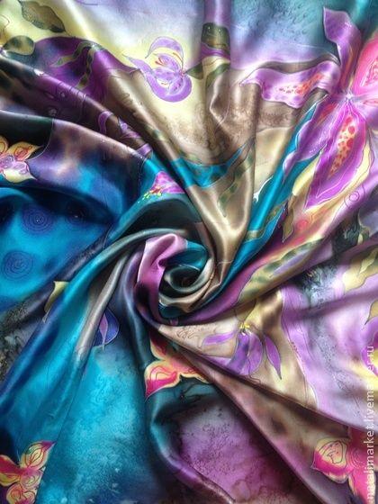 Платок+`Бирюзовый+настрой+на+весну`+батик.+Платок+выполнен+по+мотивам+косынки+'Бирюзовое+настроение'+www.livemaster.ru/item/1068596-podarki-k-prazdnikam-kosynka-biryuzovoe-nastroenie+специально+для+женщин+с+летним+цветотипом.+Каждый+угол+платка+имеет+свой+цвет+и+рисунок,+поэтому+завязывая+его…
