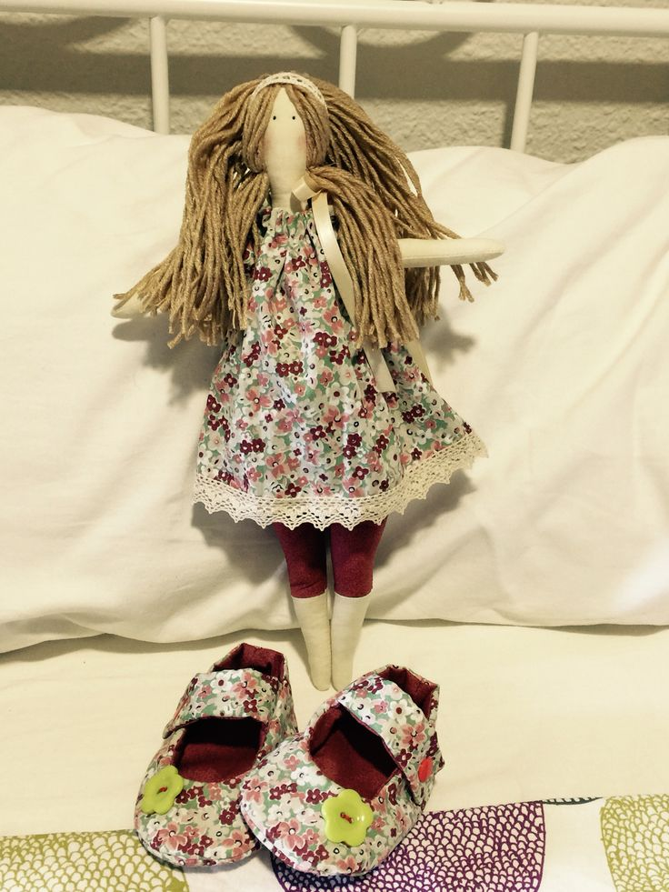 Muñeca y una zapatilla ❤️