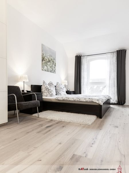 Das neue Schlafzimmer - Wir lieben die Altbausanierung in Hannover In Hannover haben wir bereits sehr vielen Kunden helfen dürfen, Träume zu realisieren. Es beeindruckt mich immer wieder, was aus alten Räumen entstehen kann. Unfassbar! Schauen Sie sich das an – wunderschön! Auch bei diesem Projekt für die Kratzsch Immobilienhandel GmbH aus Hannover (die via Facebook zu uns kamen) haben meine Teams hervorragende Arbeit geleistet. Vielen Dank Männer!