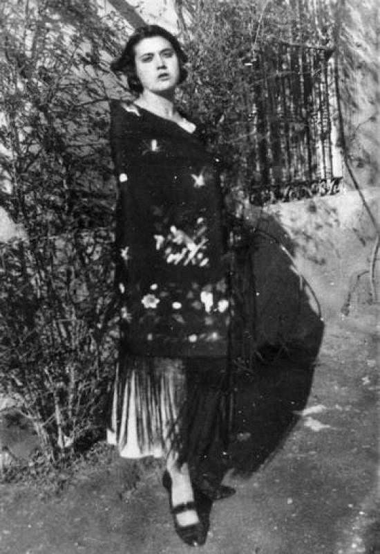 Galería de fotos. Vestida de charra, en Simancas, 1923 #MariaMoliner
