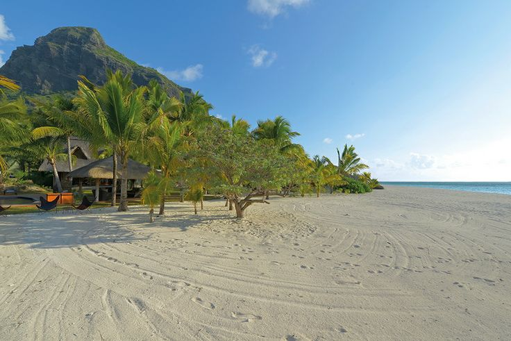 Family Villa with Pool in Mauritius hos about the villas at Dinarobin Hotel Golf & Spa, here's the beach view