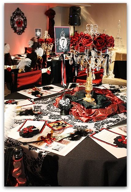 moulan rouge theme parties | Kim has quite the touch. Everything matches the theme and is touched ...