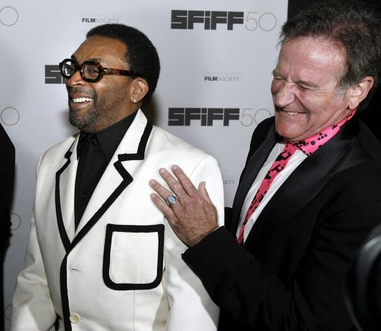 Awards recipients, director Spike Lee and Robin Williams, laugh before the 50th San Francisco International Film Festival's Film Society Awards in San Francisco, California, May 3, 2007. Photo: Dino Vournas, REUTERS