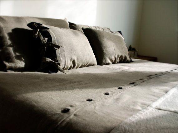 Duvet Queen size. Natural linen by Lovely Home Idea. Shop at: www.balticdesigns.nl