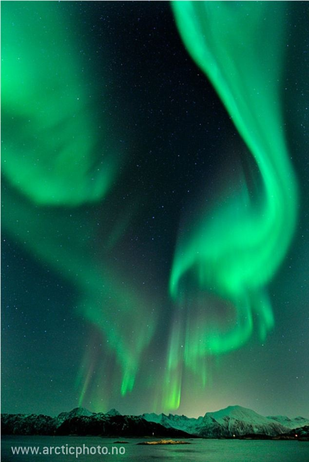 seeing the northern lights is my dream!!!!!