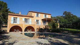 Villa+av+piscine,+térrasse&vue+dominante+au+coeur+de+la+provence+à+VIDAUBAN(VAR)+++Location de vacances à partir de Région de Draguignan @homeaway! #vacation #rental #travel #homeaway