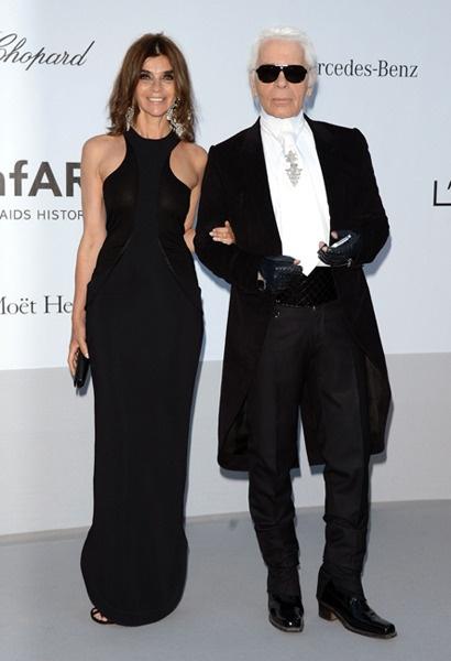 "L'amfAR, une ""charity"" bien ordonnée !  Carine Roitfeld et Karl Lagerfeld."
