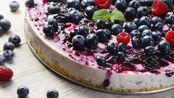 Une recette de tarte glacée aux petits fruits d'été présentée sur Zeste.tv