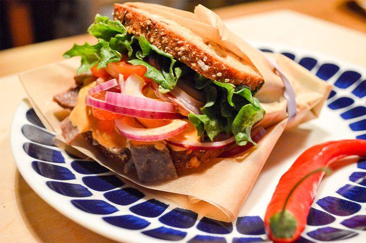 Uotilan Chili-Kebab. Street food on nyt trendikästä. Tässä Uotilan oma tulinen versio.